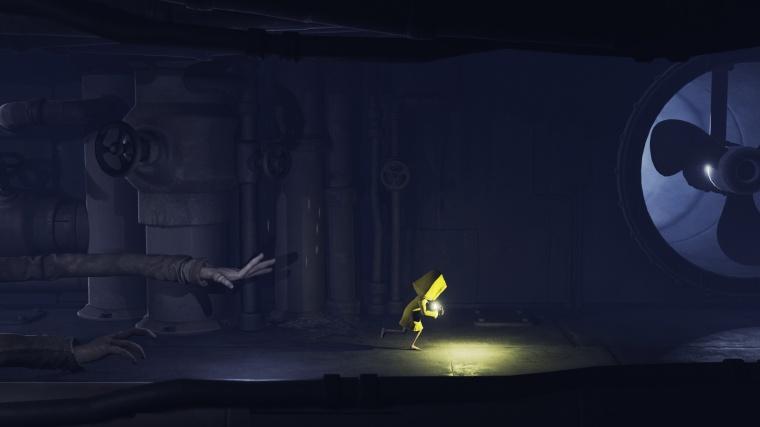 Escaping-The-Dark-Corridor-Gamescom-2016